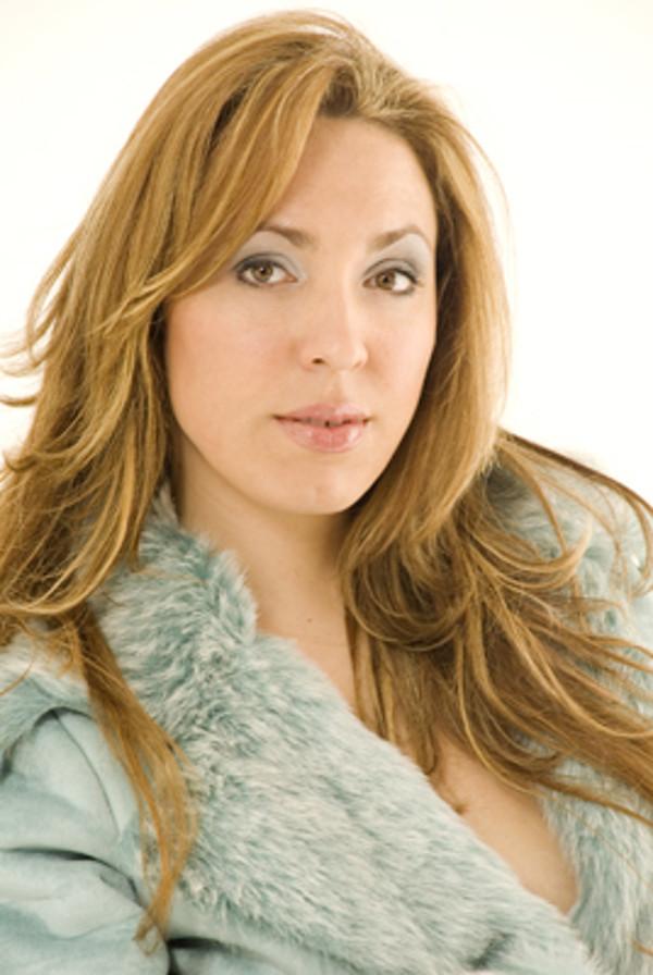 Maria José Siri singt Sopran auf der Seebühne. Foto: Klangvokal