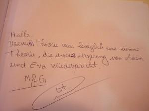 Einer der harmloseren Gästebucheinträge. Foto: Michelle Röttger