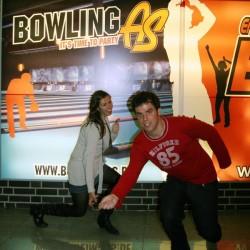 Ana-Maria und Jorge haben ein neues Hobby: Bowlen.