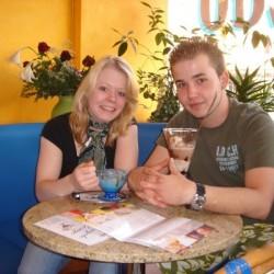 """Vanessa und Marcel stehen auf das """"Öko-Eis"""": Haferflocken und Müsli, gern auch zum Frühstück."""