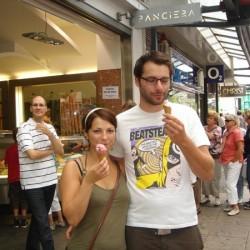Katharina und Jascha schauen hier öfters mal nach Vorlesungen auf ein Eis vorbei.