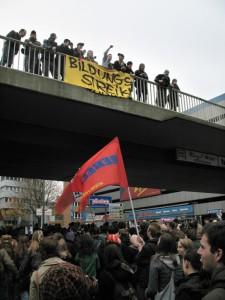 Beim Protestzug durch die Essener Innenstadt zogen rund 1000 Studenten mit. Foto: Philipp Anft
