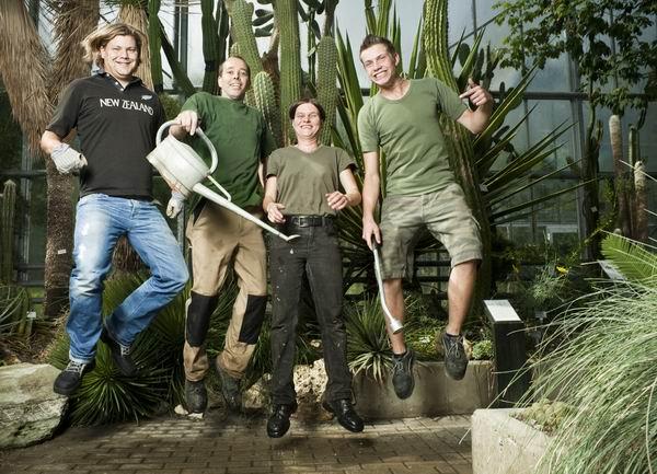 Vier Biologen freuten sich über Annas Besuch.