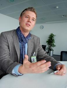 """Andreas Weber von der Pressestelle des Dortmunder Flughafen: """"Durch die Flüssigkeit auf der Rollbahn ist das Starten und Landen auch bei Glätte gar kein Problem."""""""