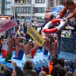 Die Politik wird auch bei den Zügen im Revier auf's Korn genommen. Foto: Christoph Aron (pixelio.de)