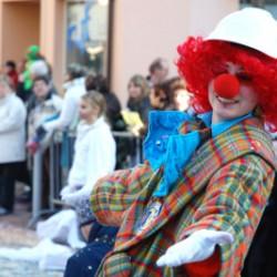 Ein Clown-Kostüm ist schnell fertig.  Foto: Paul Georg Meister (pixelio.de)
