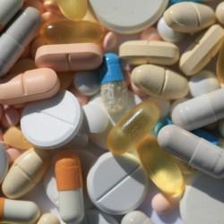 Antibiotika helfen nur gegen Bakterien. Foto: '© Rainer Sturm / PIXELIO'