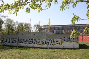 Seit 2005 heißt das Westfalenstadion Signal Iduna Park. Foto: Brinja Bormann