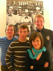 Zeitungsgründer und Chefredakteure zugleich: Dirk Stascheit, Jonathan Fasel, Constanze Kretzschmar und Jan Kröger (v.l.). Foto: Sören Juckenack