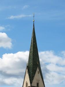 Die Spitze des Kirchturms