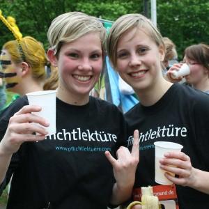 Melanie Meyer und Anna Hückelheim nach dem 2,5km-Lauf