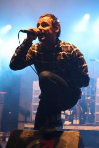 Sänger Ingo rockt die Bühne. Foto: Brinja Bormann