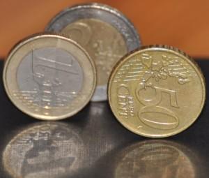 Durch die unterschiedlichen Ränder lassen sich die einzelnen Münzen auch ganz ohne Licht erkennen. Foto: Anna Hückelheim