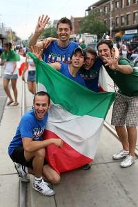 Italiens Tifosi feiern: Offensichtlich ein Bild von 2006. Foto: flickr.com/User Reza Vaziri