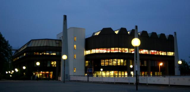 Die bibliothek hat momentan bis ein uhr nachts geöffnet / foto:c.hahn
