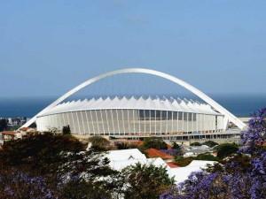 Das WM-Stadion in Durban: Bungee springen als Geschäftsidee. Foto: dfb.de