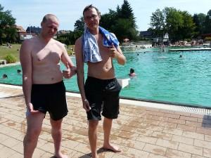 Patrick und Christian wollen nicht auf ihre Shorts verzichten.