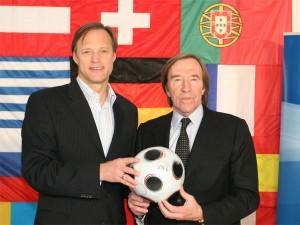 Bei der ARD-Berichterstattung von großen Fußballturnieren lange nicht wegzudenken: Gerhard Delling (l.) und Günter Netzer