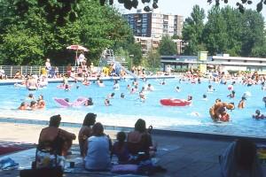 Plantschen im Schwimmzentrum Oststadt. Foto: Sport- und Bäderbetriebe Essen.