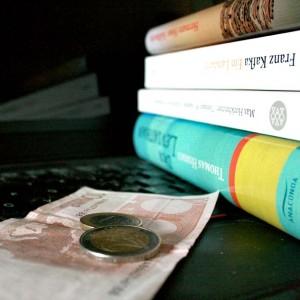 13 Euro fürs Studium könnten einige Studenten vermutlich gut gebrauchen - dafür sieht's im Moment aber düster aus. Foto: J. Mueller-Töwe