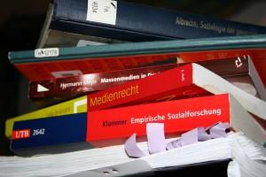 Bücherstapel Foto: Anna Hückelheim