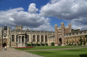 England diskutiert über eine Akademikersteuer. Im Bild: Das altehrwürdige St. John's College, Cambridge. Foto: Rolf Handke/pixelio.de