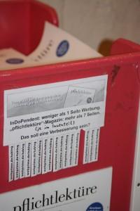 Pflichtlektüre Kasten mit Aushang; Foto: Melanie Meyer
