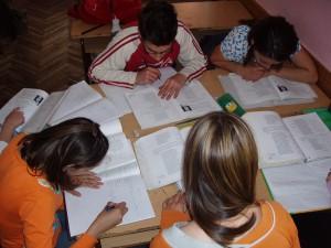 Wenn Kinder zwei Sprachen sprechen können, sollten sie auch zweisprachig unterrichtet werden.