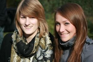 Stepahnie und Anna und die pflichtlektüre; Foto: Melanie Meyer