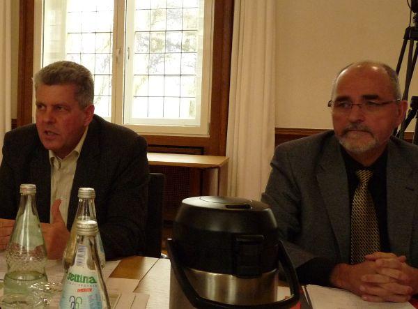 Dr. Michael Kurtenacker von Taberg Ingenieure und Regierungspräsident Dr. Gerd Bollermann Foto: Andreas Bäumer