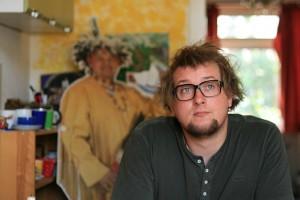 In der Dortmunder Künstlerszene hat er sich mittlerweile einen Namen gemacht: Literat, Poetry-Slammer und Filmemacher Tobi Katze. Foto: Sophia Reimers