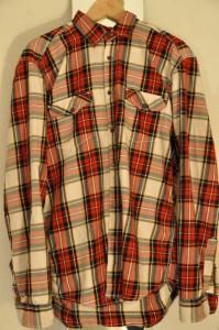 Vintage als permanentes Modephänomen: Warum nicht einfach mal Papas altes Karohemd als Kleid tragen?