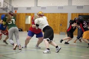 Beim Football sind sowohl schnelle, als auch kräftige Spielertypen gefragt. Foto: Fabian Karl.