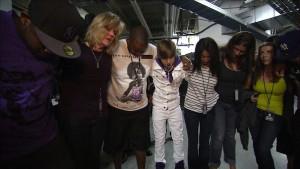 Beten gehört, wie bei vielen anderen Stars, auch bei Justin Bieber zum Ritual vor dem Konzert. Foto: Paramount Pictures