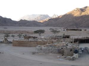 Die Beduinen in Ompalafi leben nach wie vor traditionell und abgeschieden. Foto: Alina Schwermer.