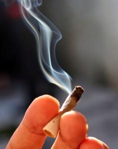 Andy trinkt nicht nur gerne Bier und raucht, er kifft auch. Symbolfoto: flickr/Prensa 420