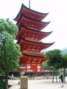 Goju-no-to Pagoda von Senjō-kaku Tempel auf Miyajima nahe Hiroshima. Hoffentlich bleiben diese Sehenswürdigkeiten diesmal verschont. Foto: Privat