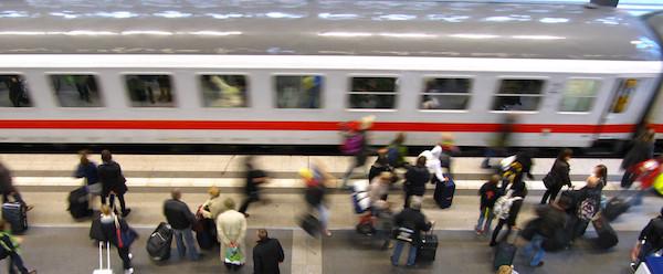 Bis jetzt hielten sich die Wartezeiten für Fahrgäste noch in Grenzen. Symbolfoto: pixelio.de / Rainer Sturm