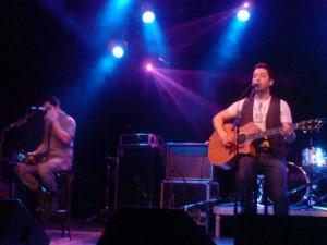 Alejandro Manzano (rechts) und sein Bruder Daniel. Boyce Avenue spielt viel Akustikmusik.