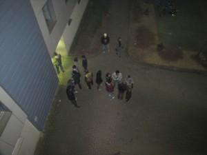 Nach dem Eastend bleiben die Studenten vor der Kneipe oft. Foto: Katarzyna Skowronek