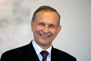 Prof. Andrzej Górak ist neuer Prorektor Forschung. 2010 wurde dem Wissenschaftler das Bundesverdienstkreuz am Bande verliehen. Górak wurde für seine Verdienste um die völkerverständigung zwischen Deutschland und Polen geehrt. Foto: Jürgen Huhn