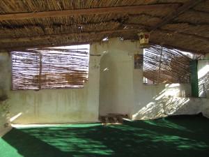 Innenraum einer Dorfmoschee: Welche Rolle wird der Islam spielen? Foto: Alina Schwermer.