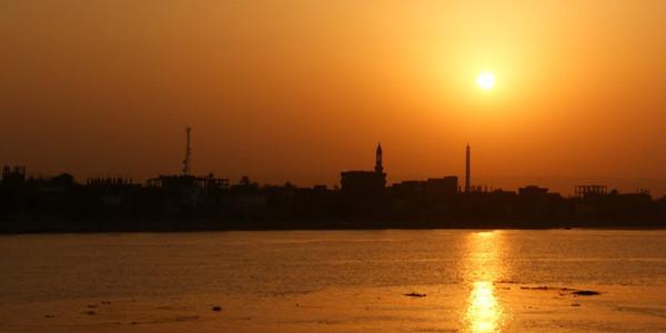 Die Sonne am Nil geht unter - und wohin geht es mit Ägypten? Foto: pixelio/Katharina Wieland-Müller