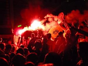 BVB-Fans feiern auf dem Alten Markt Quelle: Flickr; Fotograf: sputnik-