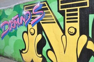 """""""Dortmunds Nordstadt"""" steht an der langen Wand gegenüber des Nordmarkts. Auch wenn Streetart zurzeit boomt, die Graffiti-Szene in Dortmund ist immer noch aktiv."""