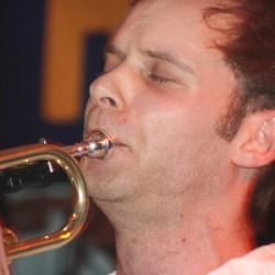 Herr Paschulke_Theo an der Trompete; Foto: Melanie Meyer