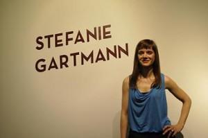 """""""Mutige Fragen und bewegte Bilder"""" ist die erste Ausstellung über Stefanie Gartmann."""