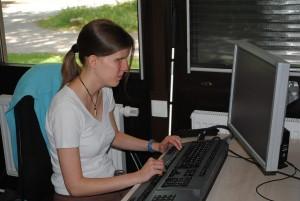 Sabrina Buschwieweke macht momentan ihren Master. Hauptsächlich arbeitet und lernt sie im DoBuS der TU Dortmund. Foto: Thomas Borgböhmer