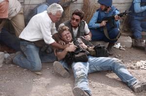 Nicht jeder Einsatz verläuft reibungslos: Greg (Ryan Phillippe) verletzt auf dem Boden. Foto: Senator Film Verleih