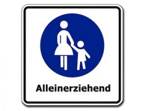 Die klassische Rollenverteilung der Alleinerziehenden Mutter gibt es nicht mehr. Foto: Gerd Altmann /pixelio.de